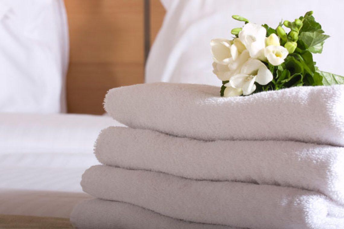 Неотъемлемой частью и визитной карточкой гостиничного номера по-прежнему  остается текстиль. Идет ли речь о постельных принадлежностях b4c45614c60d4
