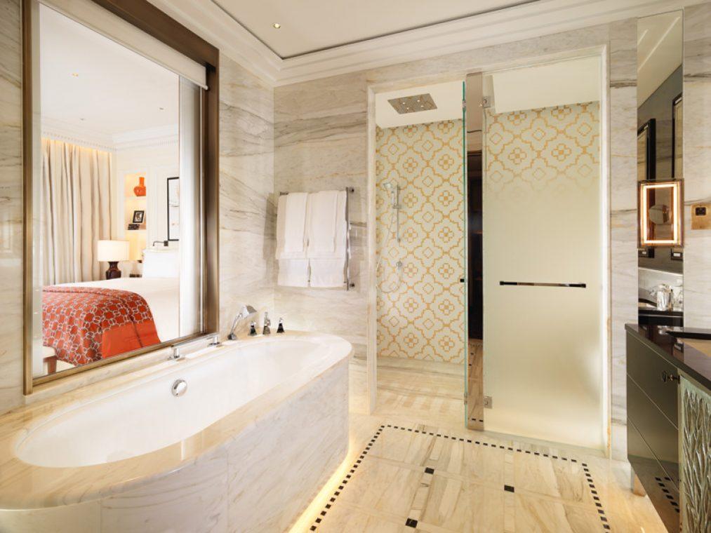 Ванная The Savoy Suite